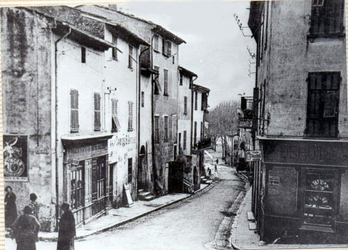 LA RUE DESJOBERT DANS SA TOTALITE DEPUIS LE HAUT 1918.jpg