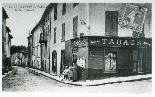 35 LE HAUT DE LA RUE DESJOBERT EN 1915.jpg