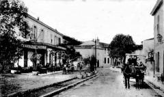 LE RESTAURANT VICTORIA AVENUE DU G. LECLERC EN 1906.jpg