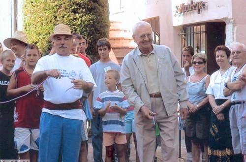 26-08-06 PREMIERE FETE DES GUEYEURS INAUGURATION, EDMOND COUPE LE RUBAN !.jpg