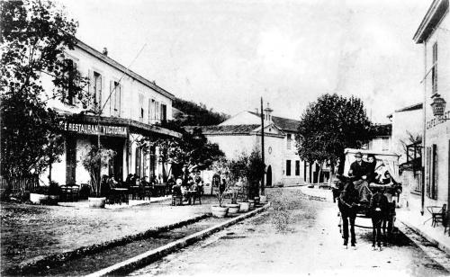 L'HOTEL RESTAURANT VICTORIA EN 1906.jpg